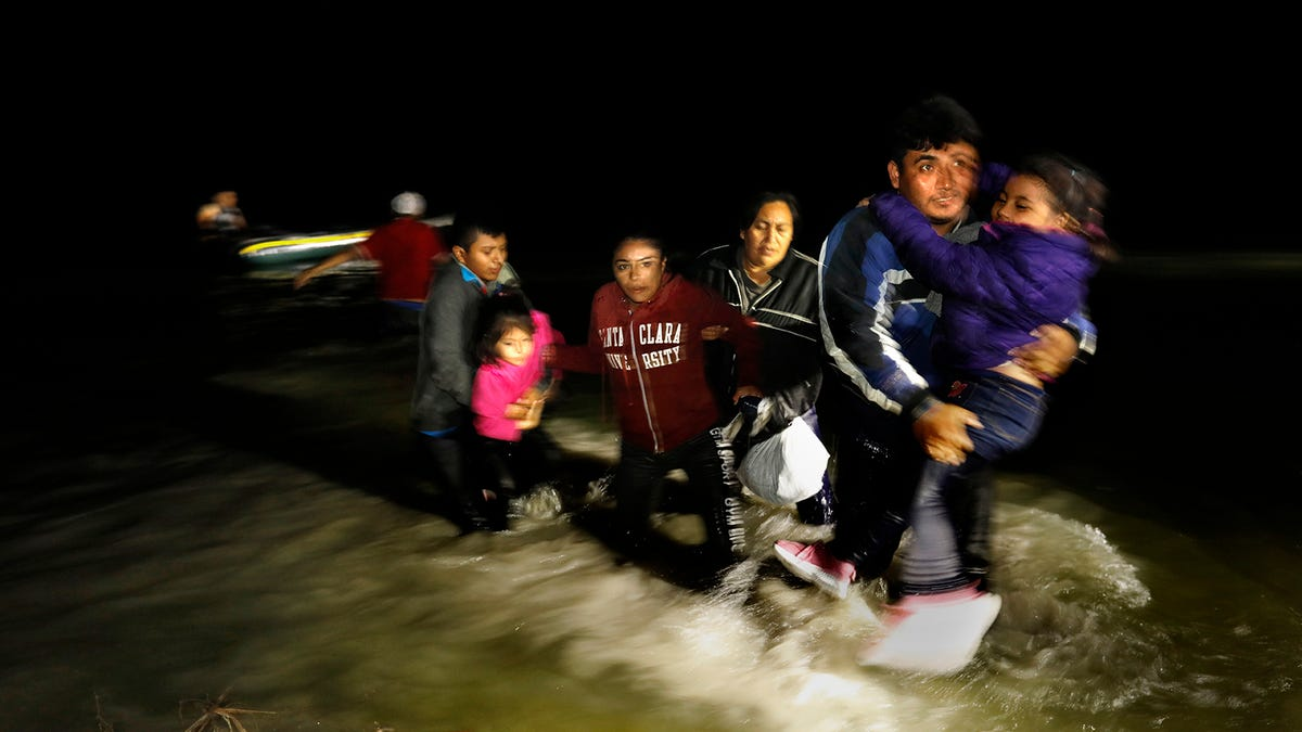 'Sitting ducks for organized crime': How Biden border policy fuels migrant kidnapping, extortion 2