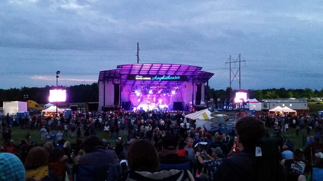 Eagles Entertainment Inc., the company that runs the Rave music venue in Milwaukee, has struck a 10-year deal to book concerts and other events at Silver Lining Amphitheater at Washington County Fair Park.
