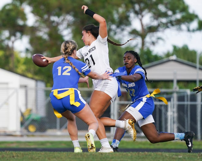 Jensen Beach advances the ball against Mainland during the regional playoffs. Jensen Beach is among the qualifiers for this weekend's FHSAA flag football semifinals at Mandarin.