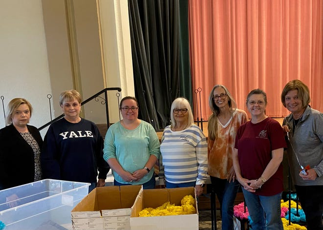 Senior Junior Forum members volunteered decorating for Kemp Karnevale. From left to right: Gaby Lockhart, Debbie Moody, Christina Bennett , Connie Joyce, Christy Whitely, Sarah Wood and Vicki Tigert .