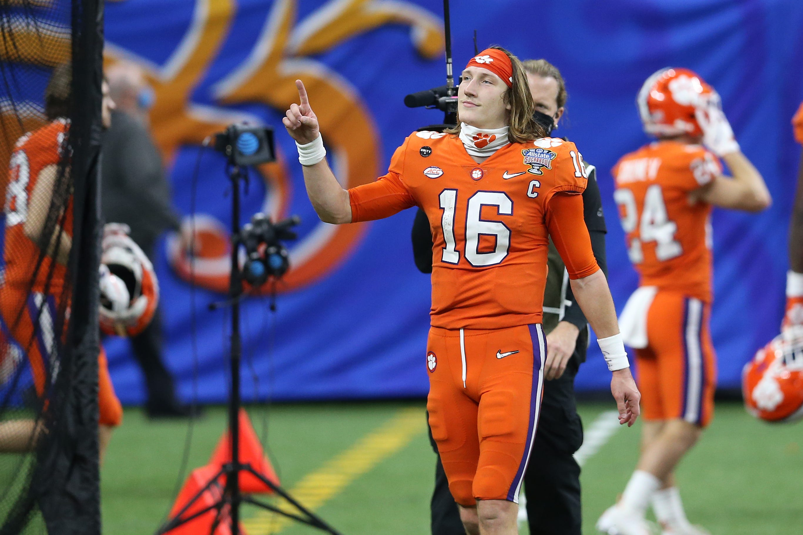 Trevor Lawrence selected by Jacksonville Jaguars with top pick in 2021 NFL draft
