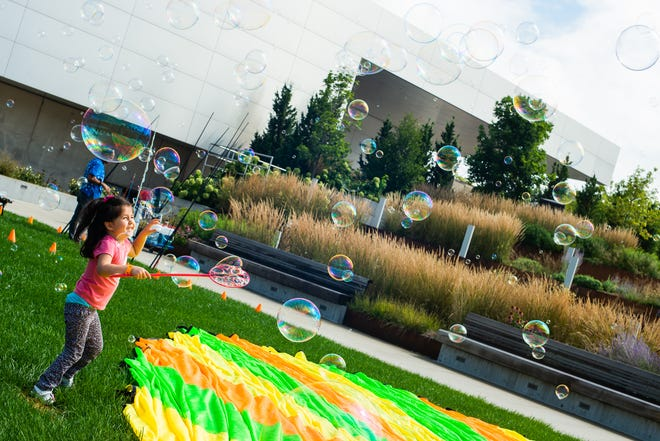 Family Days are returning to the Akron Art Museum this summer.