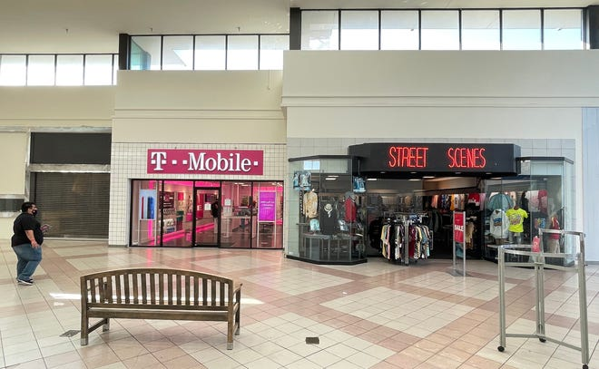 The DeSoto Square Mall in Bradenton has officially closed - nearly 50 years after it was built. The mall once enjoyed past glory as one of the Gulf Coast's prime shopping spots, but it suffered through a gradual decline in recent years.