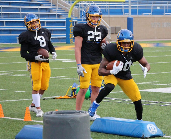 SDSU running backs Jordan Meachum (8), Isaiah Davis (22) and Pierre Strong all hope to contribute to the Jacks' offense Sunday against Southern Illinois in the FCS playoffs.