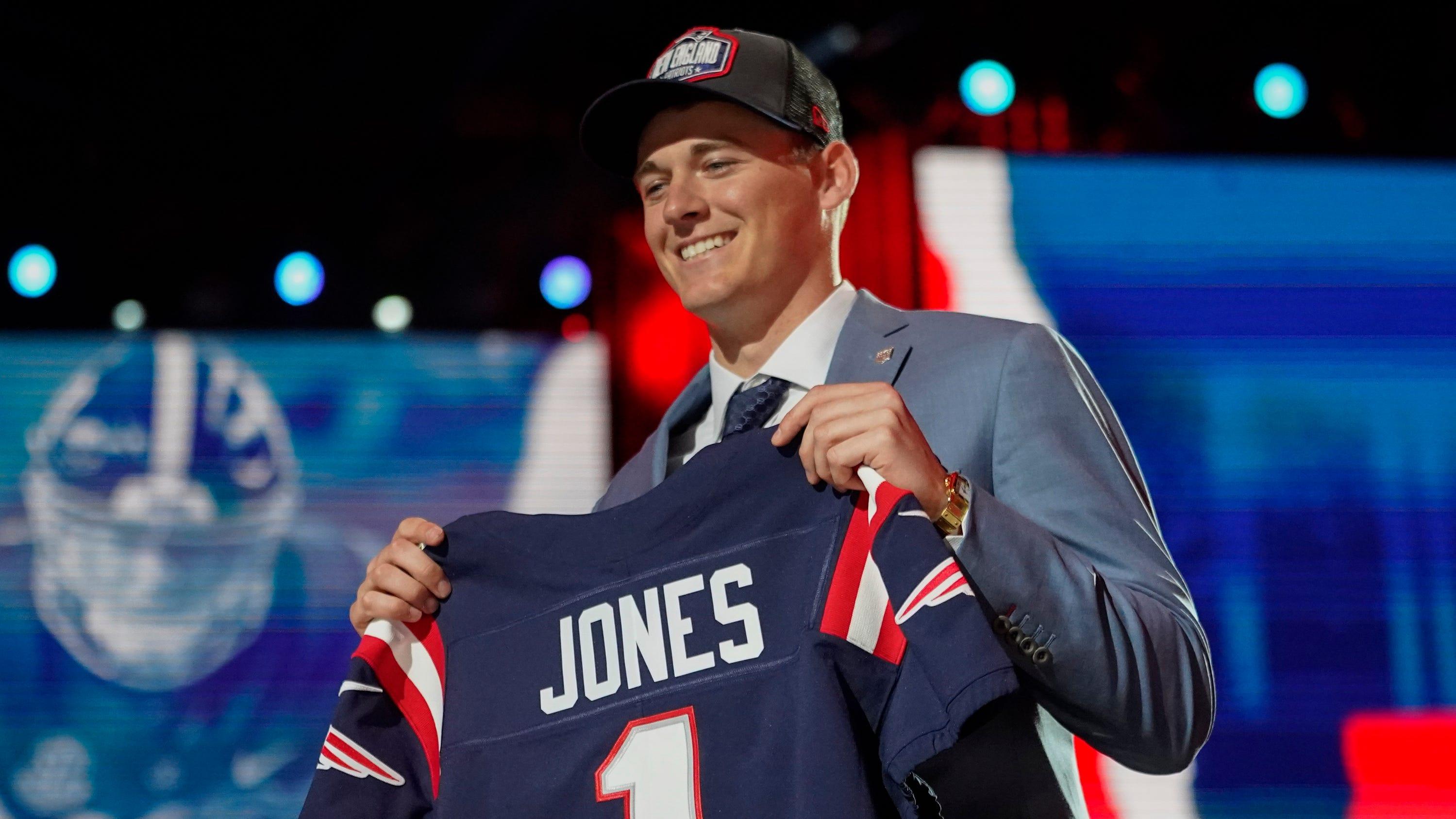 Mac Jones compares his body to former Patriots quarterback Tom Brady