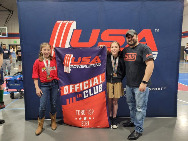 On Saturday, April 24th, Aubree and Gracie Anable competed in the Louisiana State Games Powerlifting Meet in West Monroe, LA.