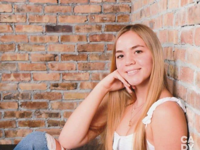 Maci Mowery, 2021 valedictorian of Seminole Ridge High School.