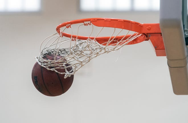 (4/29/21)   Generic basketball shots. CLIFFORD OTO/THE STOCKTON RECORD