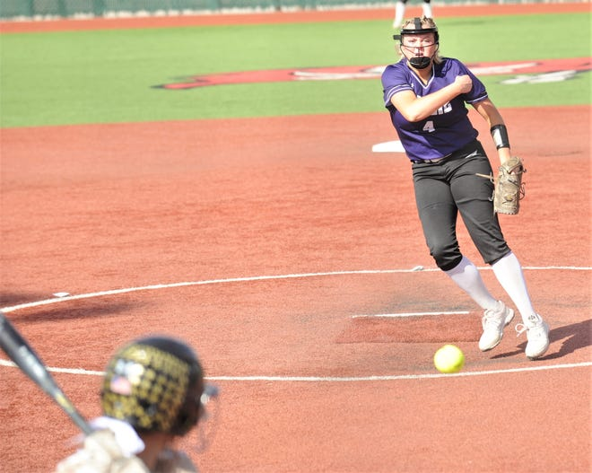 Wylie's Reese Farrar, right, throws a pitch to an Amarillo High batter in the third inning.