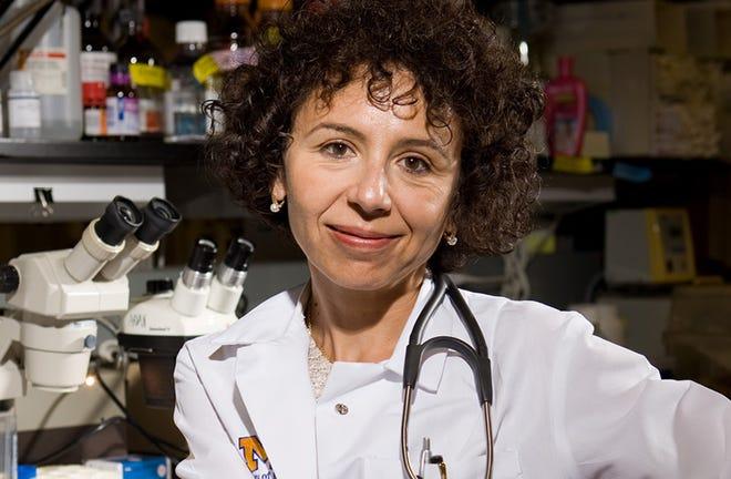 Dr. Rudica Bob Bossoy, director de la nueva clínica multidisciplinaria para adultos post-COVID-19 en Michigan Medicine en la Universidad de Michigan.