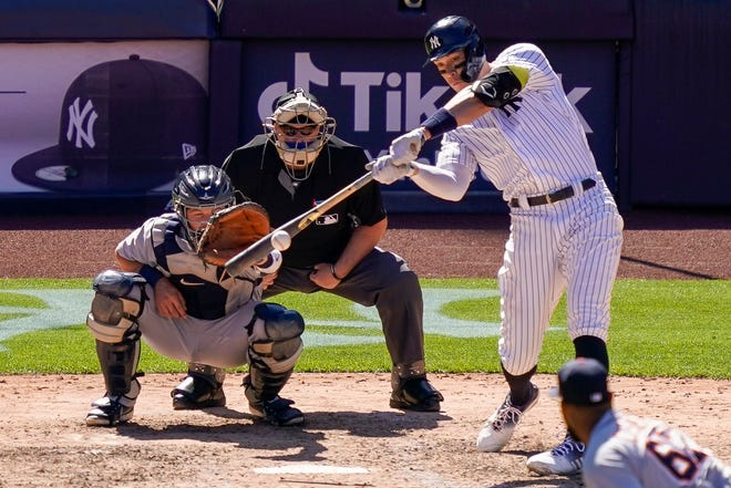 Aaron Judge dari New York Yankees mencetak dua run ganda dari pelempar bantuan Detroit Tigers Jose Cisnero pada inning keenam.