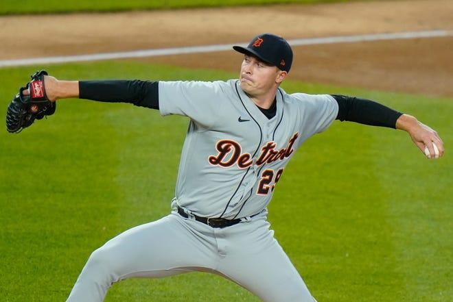 Tarik Skubal dari Detroit Tigers memberikan lemparan pada inning kedua.