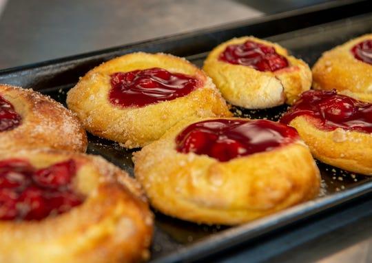Jelly Donuts je připraven k jídlu v sobotu v pekárně Kolache v Pace.