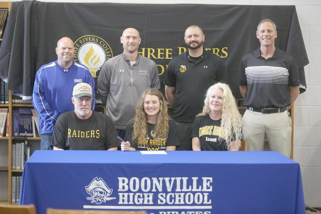 Boonville senior Kourtney Kendrick recently signed a basketball letter of intent with Three Rivers Community College in Poplar Bluff. Kendrick started three years for the Lady Pirates basketball team. On hand during the signing were (front row, left to right) Randy Kendrick, Kourtney Kendrick and Kathleen Kendrick. (back row, left to right) Boonville Athletic Director Chris Shikles, Boonville coach Jaryt Hunziker, Three Rivers coach Alex Wiggs and Boonville Principal Tim Edwards.