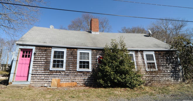 The Sandwich Historic District Committee voted again last week in support of demolishing this property at 18 State St. Town officials have cited the historic home in Jarvesville as a safety hazard.