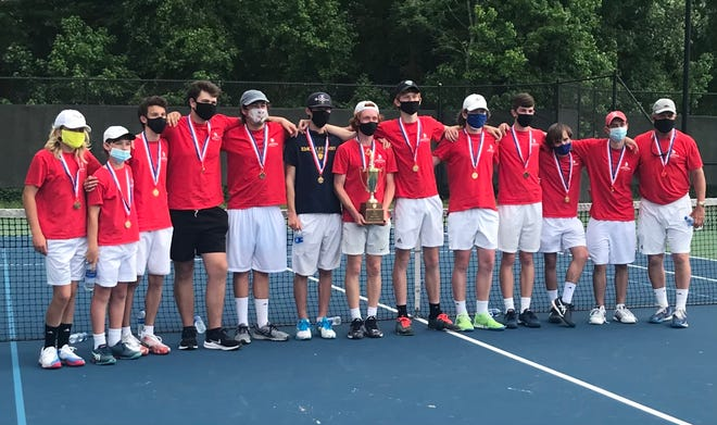 The Spartanburg Day School boys tennis team won its second straight SCISA state title, and 16th overall, with a 5-1 victory over Palmetto Christian last week.