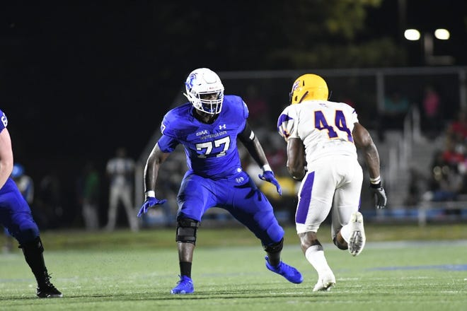 Fayetteville State offensive lineman Kion Smith (77) has signed a free-agent deal with the Atlanta Falcons.