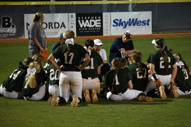 Snow Canyon softball won the Region 9 title with a 10-1 win over Crimson Cliffs.