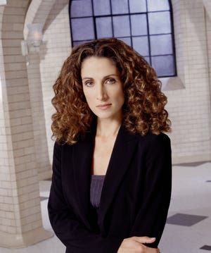 """Melina Kanakaredes will star and serve as an executive producer in """"Greek Candy,"""" a TV show based on Temo's Candy Co., her family's Akron chocolate shop."""