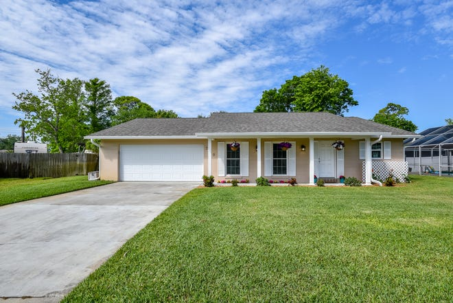 This beautifully renovated home is located on a quiet cul-de-sac in a highly desirable area of Ormond Beach.