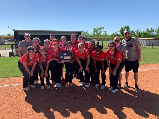 Westmoore, which lost eight starters from last year's team, will return to the Class 6A slowpitch softball tournament on Tuesday.