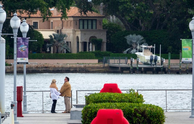 A loophole in Chapter 62 of the Code or Ordinances doesn't limit property owners to how wide a dock can be, something that could cause more homes to extend their backyards over Lake Worth.