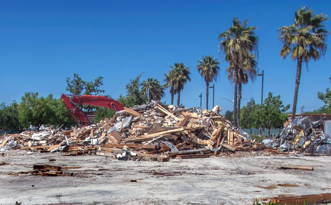Rubble is all that remains of the former Mimi's restaurant after it was demolished in the Stonecreek Village shopping center on Pacific Avenue and Robinhood Drive in Stockton.