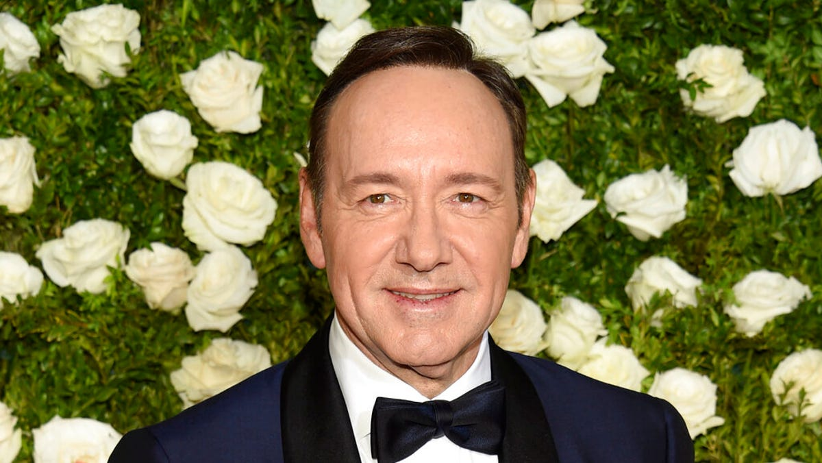 Judge orders Kevin Spacey accuser to reveal his identity 1