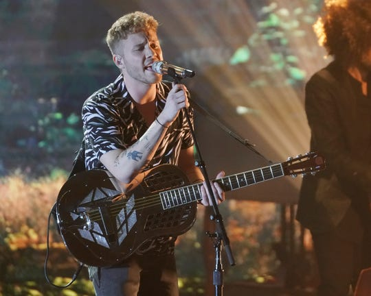 Before taking the stage, Hunter Metts, 22, opened up about his emotional performance during the final episode, where he fumbled the lyrics at the end of his song.