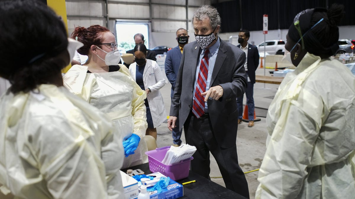 Sen. Sherrod Brown urges Ohioans to encourage friends to get the COVID-19 vaccine