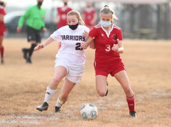 South Point's Lexi Birtwistle, right, competes against East Gaston earlier this season. Brian Mayhew / Special to the Gazette