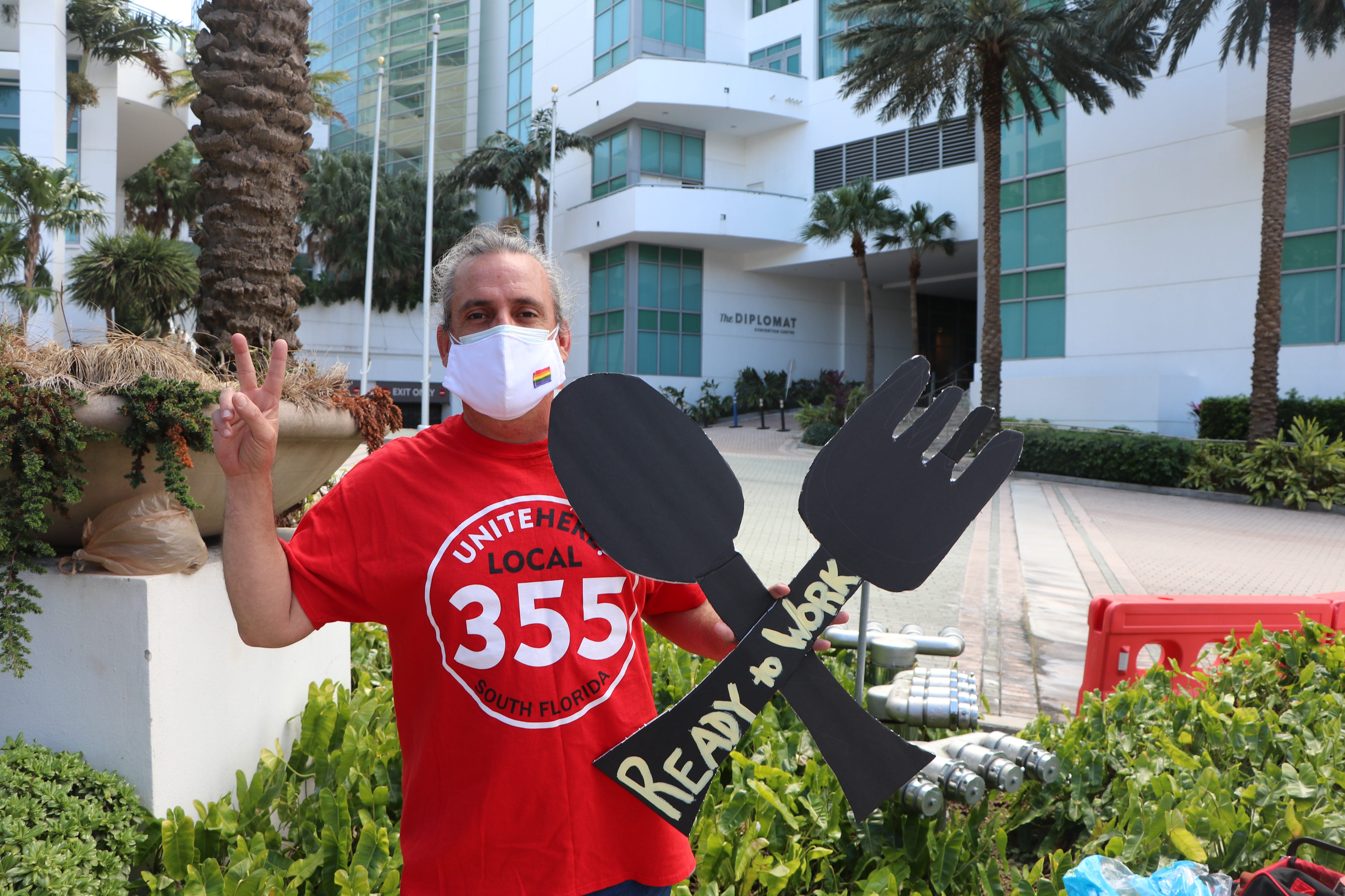 Florida's hospitality industry: Employers need workers. Workers need jobs. What's the problem?