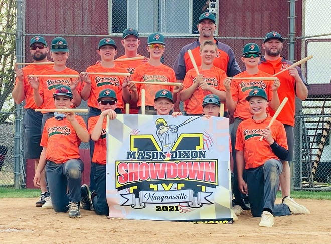 The 12U Renegades pose for a photo after winning the Mason Dixon Showdown at Maugansville.