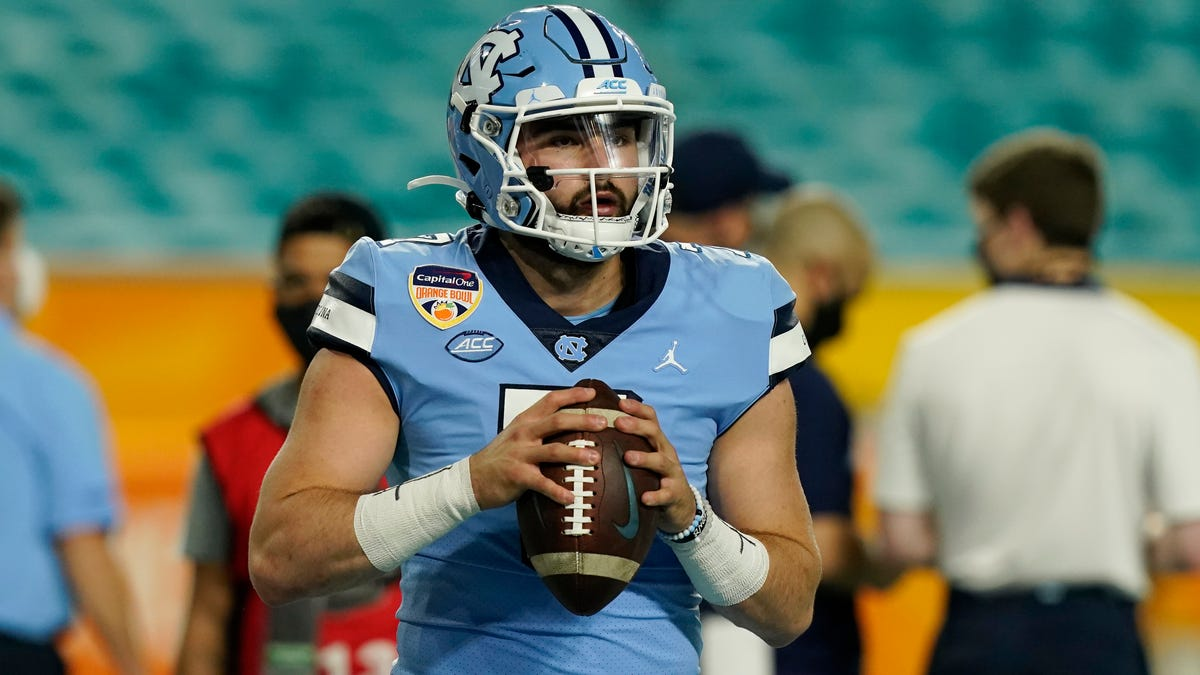 Early projections put UNC QB Sam Howell among top prospects for 2022 NFL Draft