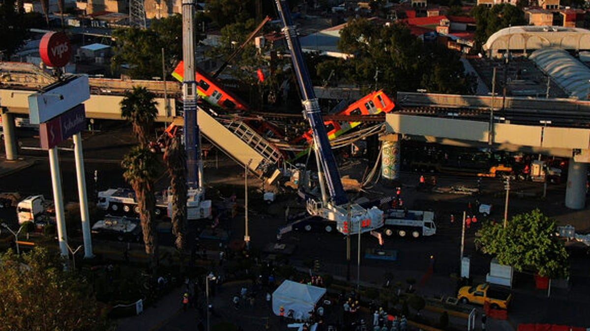 Mexico City metro overpass collapses onto road; 23 dead 2