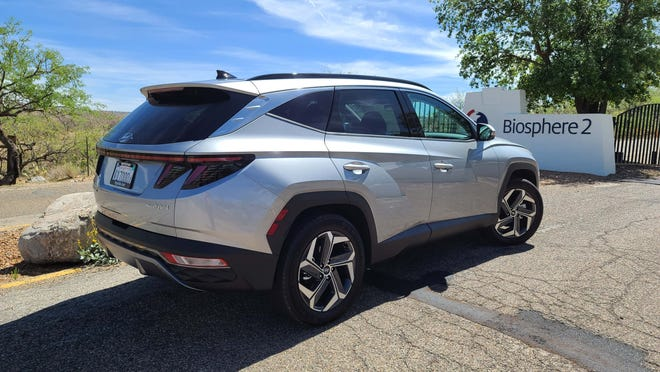 The expressive, sci-fi exterior of the 2022 Hyundai Tucson.