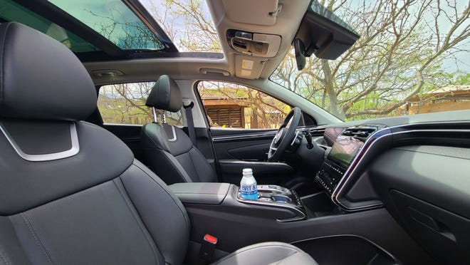 The 2022 Hyundai Tucson can be optioned with a full moonroof.