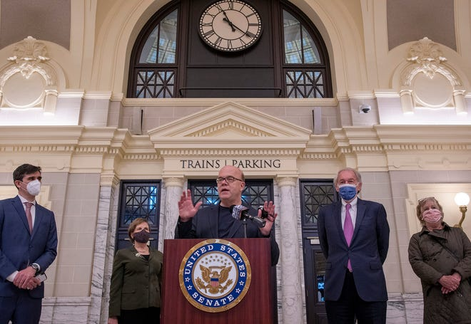 U.S. Rep. James McGovern speaks Wednesday at Union Station. He was joined by, from left, Transportation for Massachusetts Director Chris Dempsey; Karen Christensen of the Western Mass. Rail Coalition; McGoverm at lectern; Sen. Edward J. Markey; and State Rep. Mary S. Keefe.