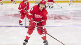 Bertuzzi, Red Wings agree on 2-year contract