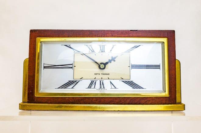 Stylish electric desk clocks like this were a Seth Thomas staple.