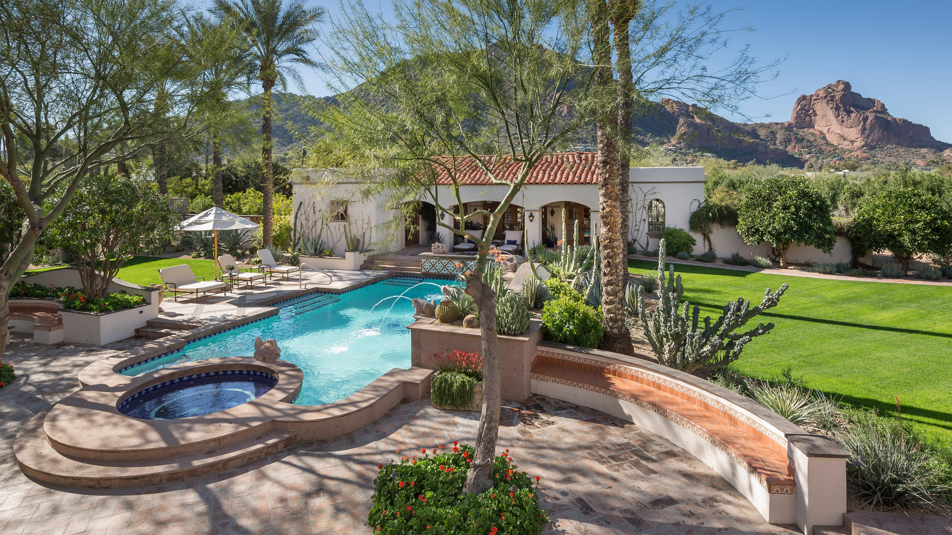 Luxury Homes 13 5m Paradise Valley Mansion With 10 Bathrooms Sells