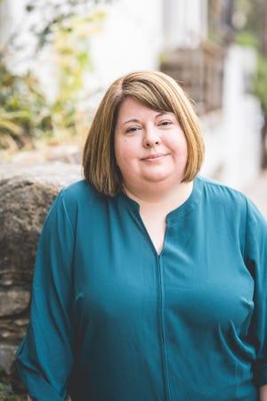 Συγγραφέας Stacy Swan.