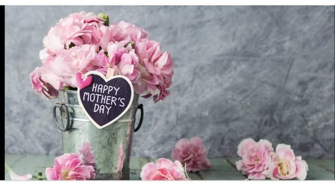 Mother's Day weekend will feature several events and opportunities to get out, enjoy food, art and celebrating dear old Mom.