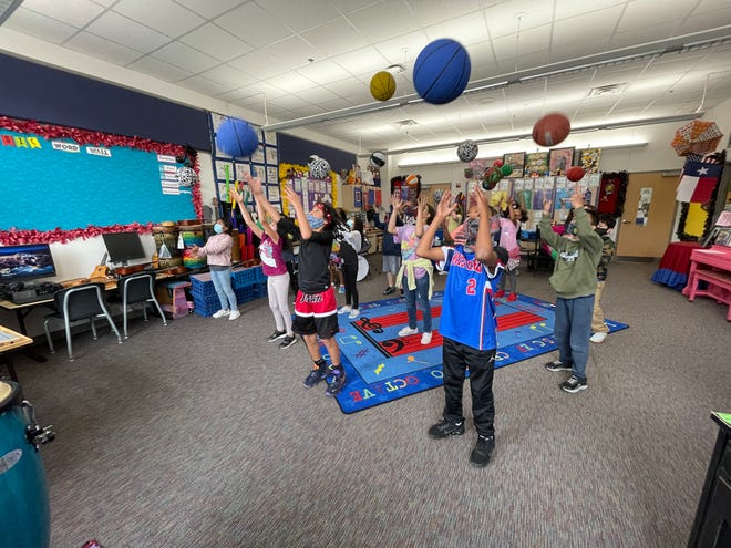 Sherman music teacher's basketball routine goes viral on social media.