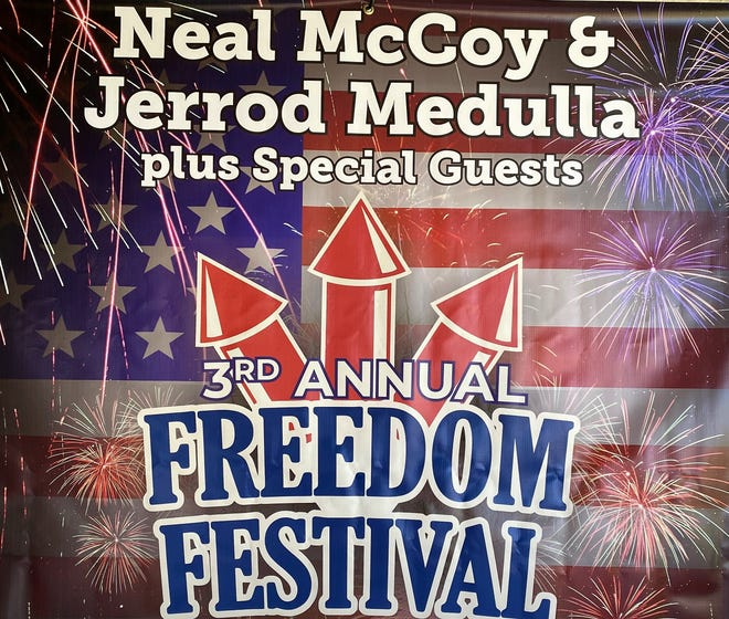 Chris Colston and Della Rose have been scheduled as the special guests for the summer Freedom Festival, planned for July 3-4 downtown and at the Taylor County Expo Center.