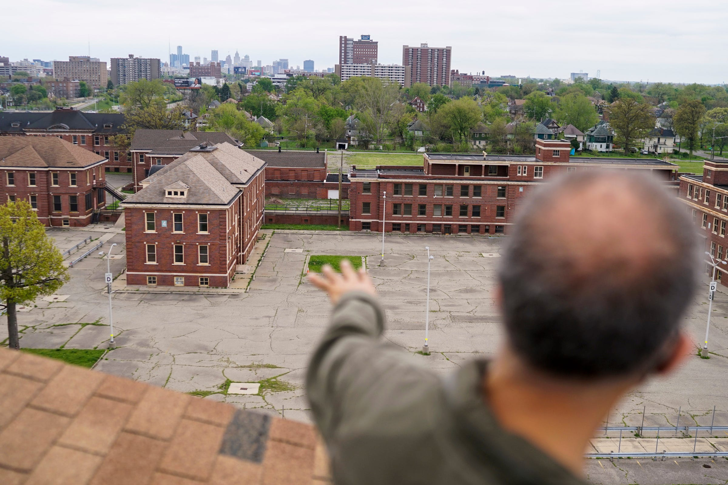 New York developer facing tight deadlines, neighborhood criticism in Detroit