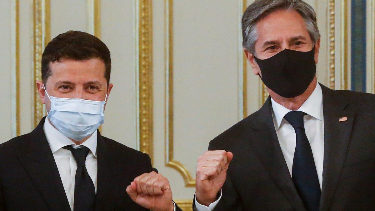 Blinken in Ukraine reaffirms US support amid Russia tensions 2