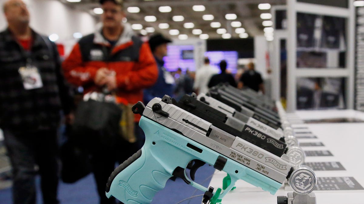 Texas Senate advances bill allowing handguns without license 2