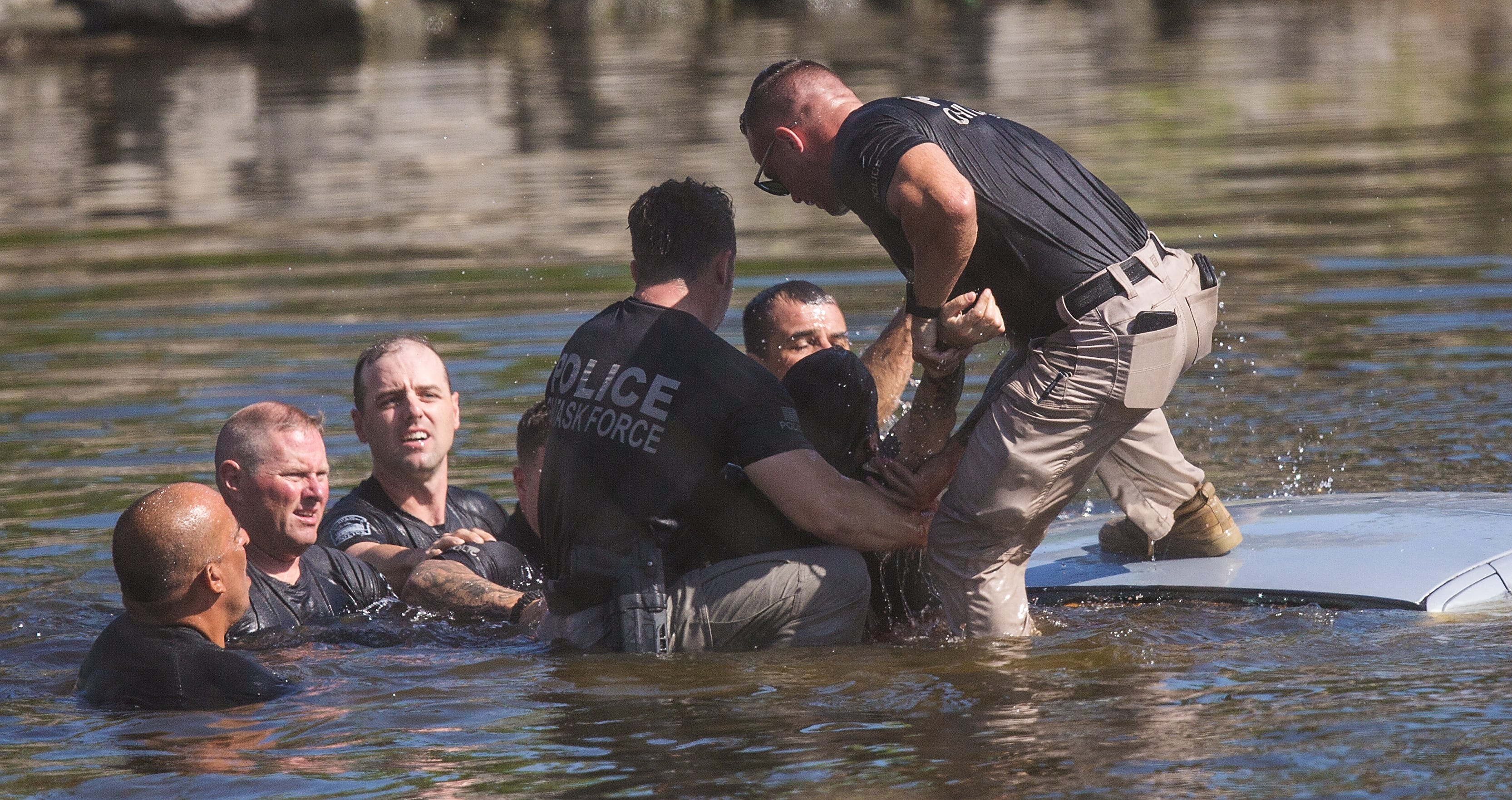 Suspect in officer-involved shooting rescued by police from retention pond in Fort Myers 2