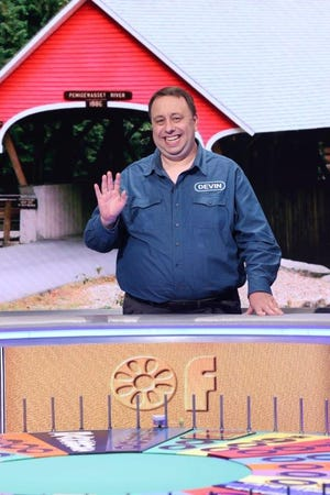 """Devin Dugan, a Green Bay native and ComedyCity alum, will be a contestant on """"Wheel of Fortune"""" on May 13."""